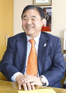 Toshiaki Endo, who is in charge of the LDP's English proficiency proposal, though he admits his English is pretty bad.